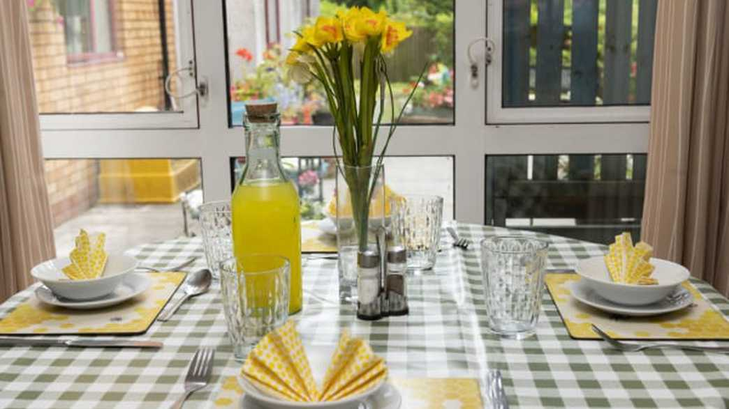 Ty Gwynno Care Home : meals-carousel - 1