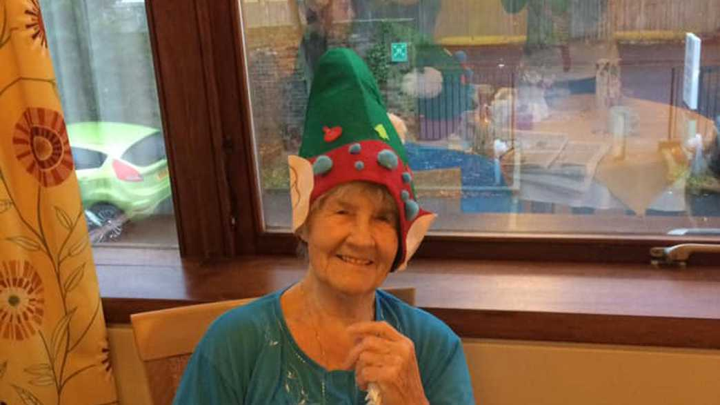 Leah Lodge Care Home : activities-carousel - 3