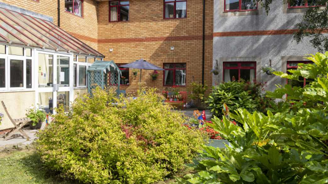 Ty Gwynno Care Home : buildings-carousel - 3