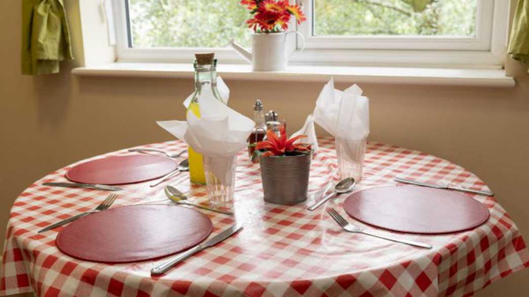 Ty Gwynno Care Home : meals-carousel - 2