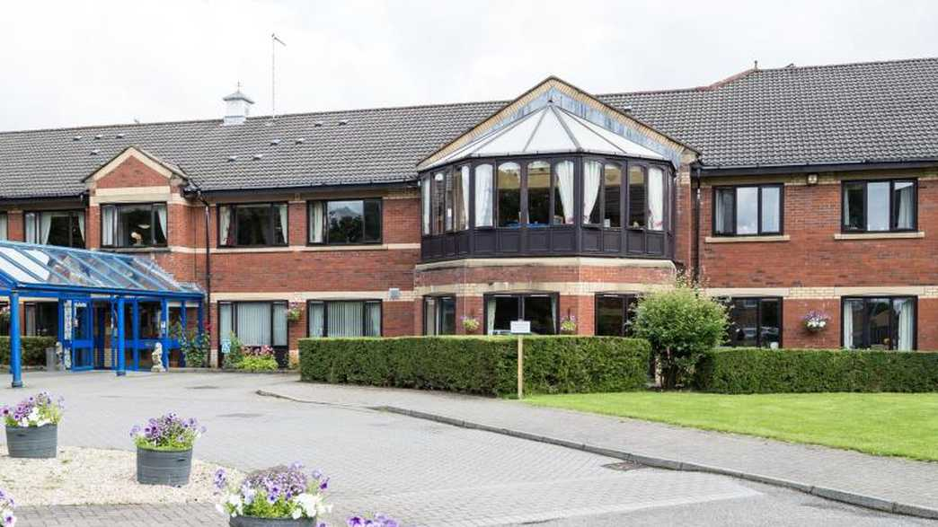 Four Hills Care Home : buildings-carousel - 10
