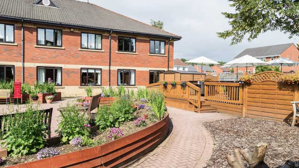 Four Hills Care Home : buildings-carousel - 9