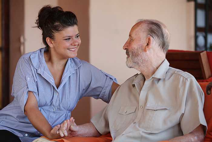 Home Care Services vs. Live-in Caregivers: What Are the Pros and Cons?