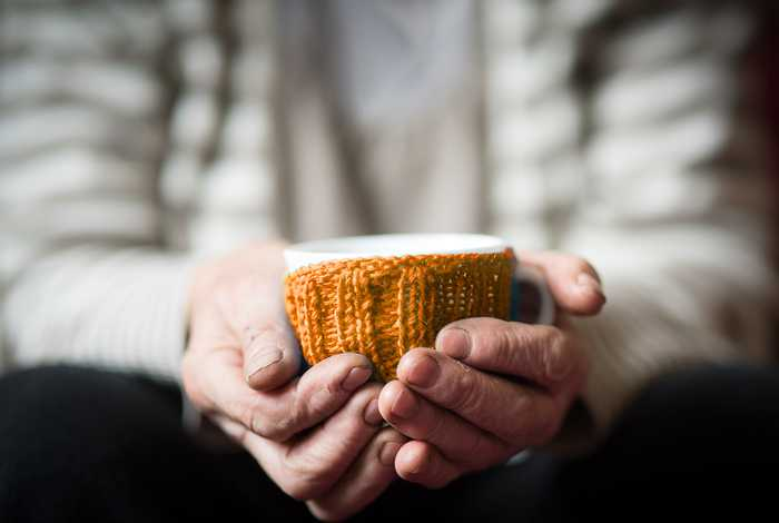 7 Cold Weather Precautions for Elderly People to Keep Warm During Winter
